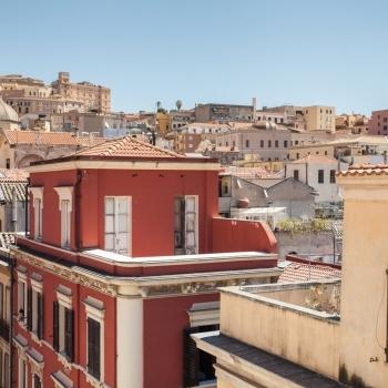 Vista_tetti_di_Cagliari.jpg